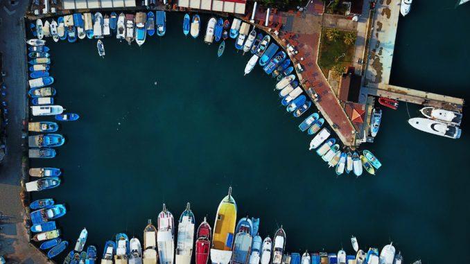 Deutschland als Hafen? Foto: Rebecca Georgia via Unsplah unter CC0-Lizenz